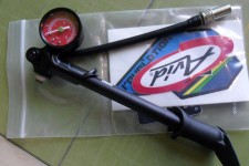 Shock Pump with Gauge RockShox branded